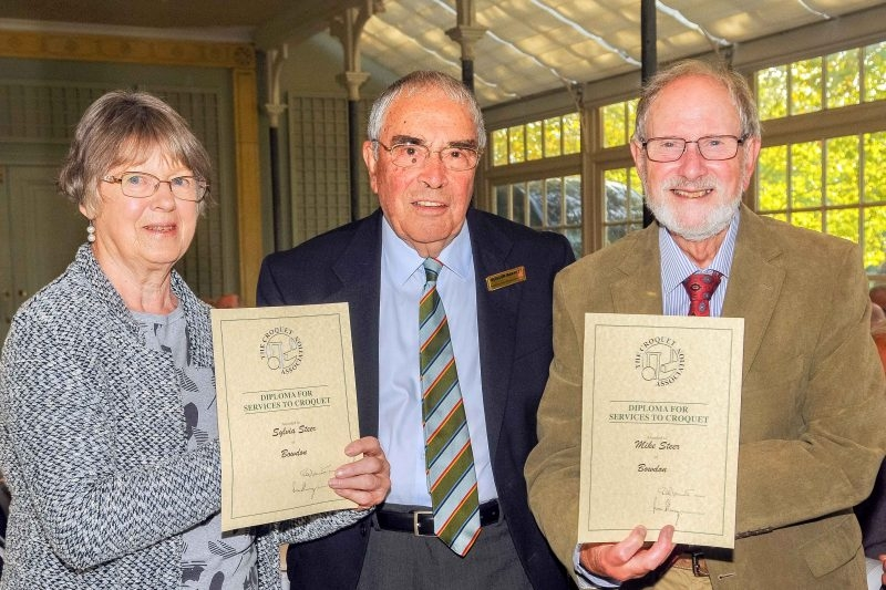 CA President, Quiller Barrett, presents CA Diplomas to Sylvia and Mike Steer (Bowdon) at the CA AGM on 20 Oct 2018. (Photo: Chris Roberts).