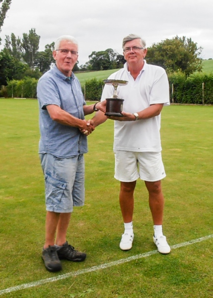 Andrew Webb (Pendle) presents Paul Rigge with the 2019 Lancashire Open Golf Trophy.