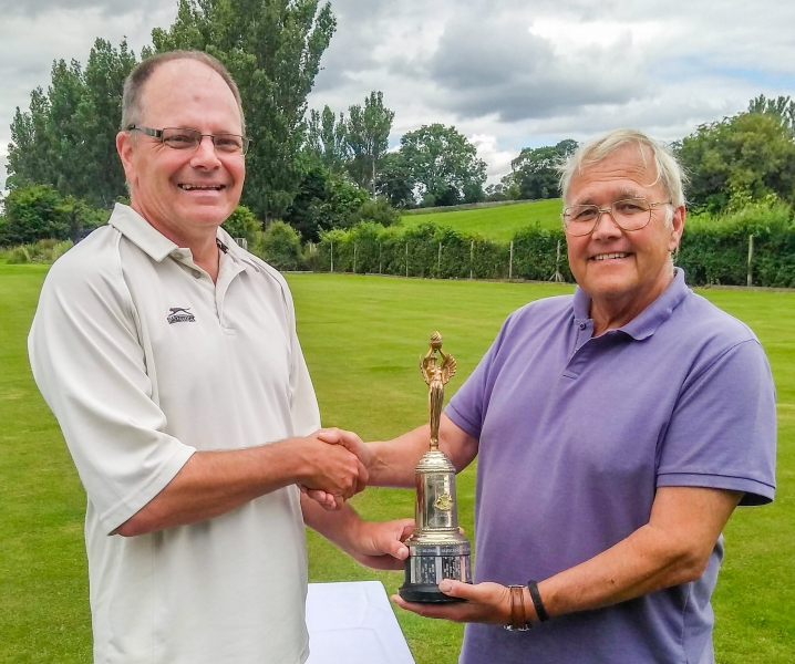 Robert Essler (Pendle) presents the Runners Up trophy to Paul Dowdall (Pendle)