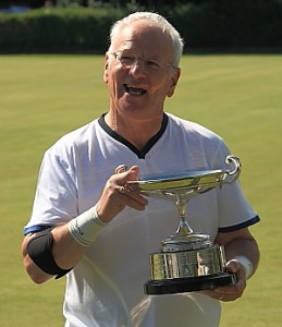 Derek Knight with the B Level Trophy