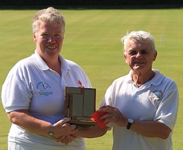 Southport Chairman Brian Lewis presents the Super B trophy to Gail Curry